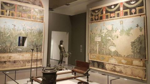 Pompeii and Santorini. Eternity in one day